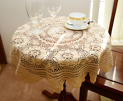 crochet toppers, crochet round tablecloths, crochet toppers