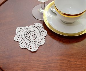 crochet heart doilies 4 inches.