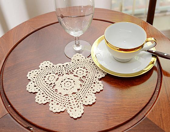 "crochet heart shape doilies, crochet 8"" hearts, ecru crochet doilies."