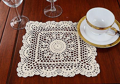 Granny Square crochet square, crochet square placemats, crochet, crochet lace.