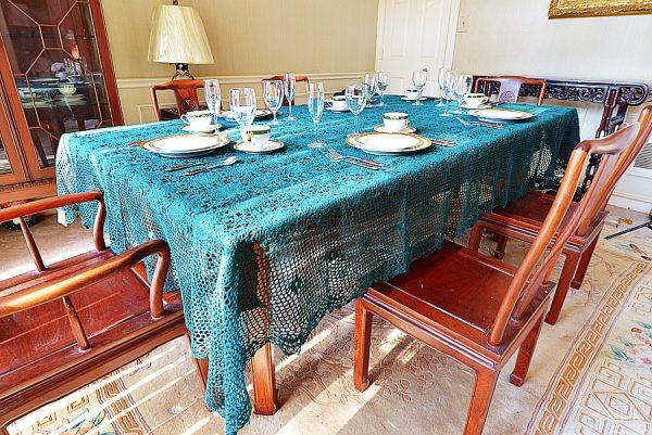 Festive EveryGreen Crochet tablecloth